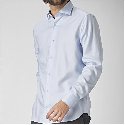 ljusblå herrskjorta