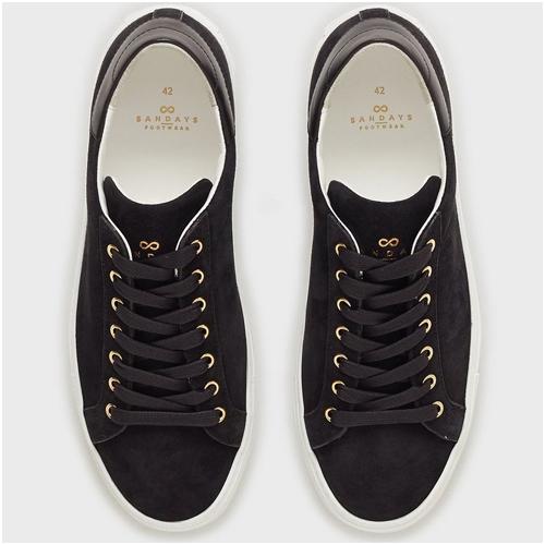 Svarta sneakers i mocka