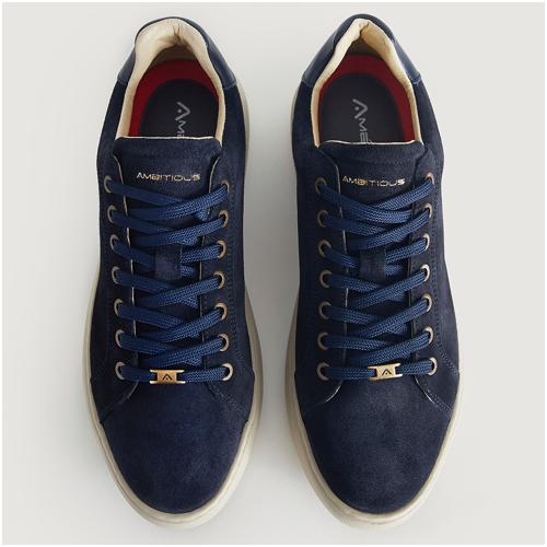 blå mocka sneakers