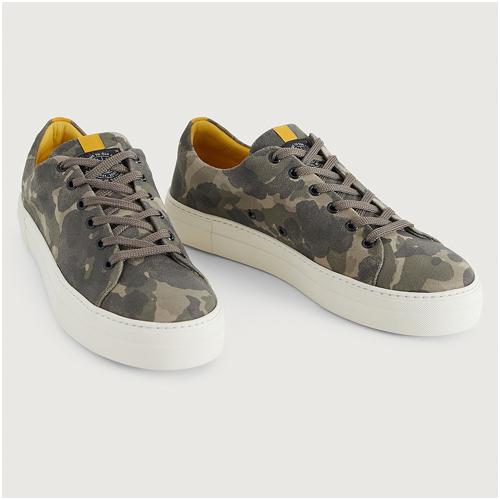 Camouflage mocka sneakers