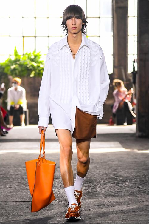 Trend herrmode 2021: herrskjorta från Valentino